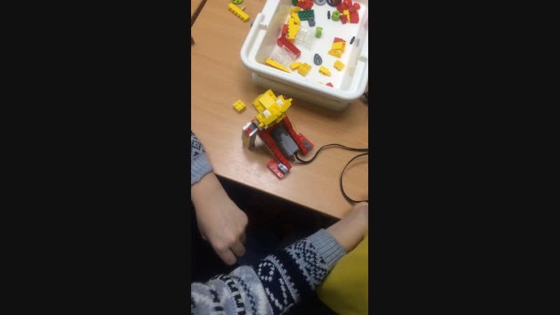 Лего WeDo лев