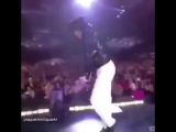 King of pop dancing to the King of k-pop
