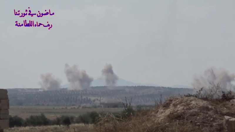 САА наносит удары в районе Al Ltamenah, север пр. Hama 12.06.2018