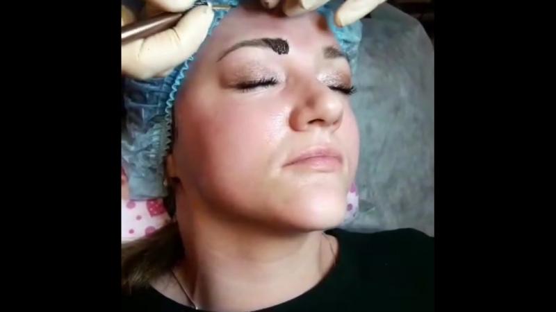Процесс нанесения полуперманентного макияжа