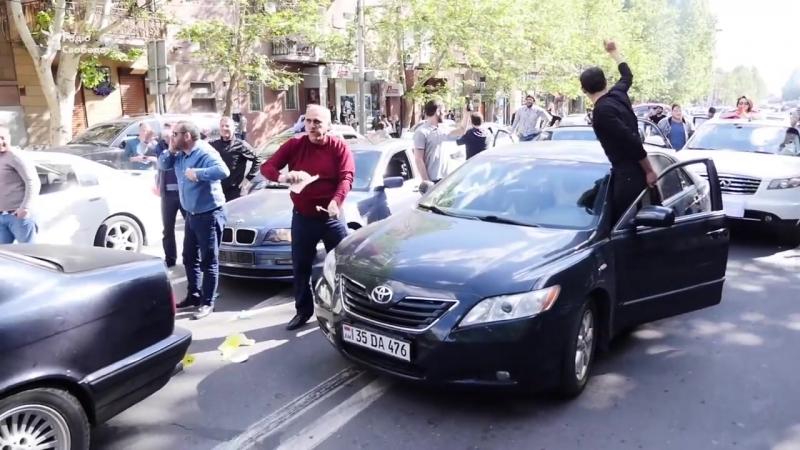 Армения празднует отставку премьер министра Сержа Армения празднует отставку премьер министра Сержа Саргсяна