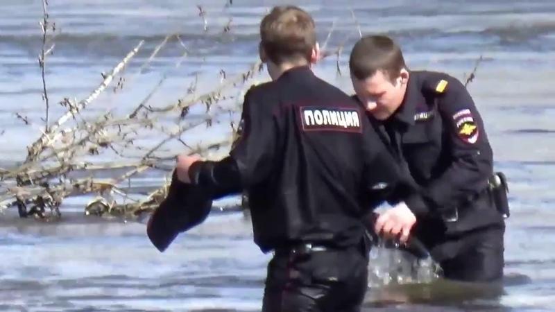 Не все полицейские мусора Так должна выглядеть настоящая полиция милиция Эмоциональное видео