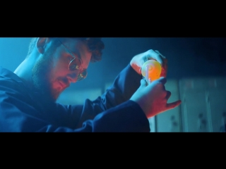 Clean bandit - solo feat. demi lovato _official video_ ( 804 x 1920 ).mp4