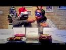 Dos españoles prueban comida rusa de Navidad