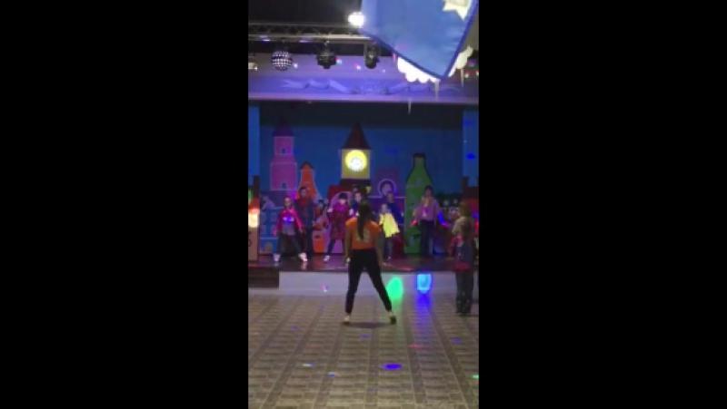 гдето там я в кидбурге танцую