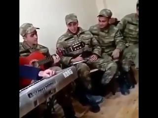 Азербайджанские солдаты поют песню в Карабахе после убитого армянина. Азербайджан Azerbaijan Azerbaycan БАКУ BAKU BAKI Карабах