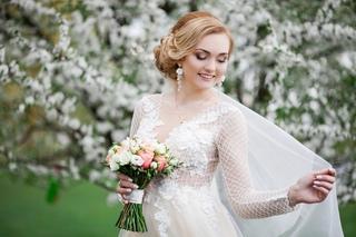 svadebniy-salon-nikol--internet-magazin-chernigov-chernigovskaya-oblast-buket-svadebniy-roz-s-tyulpanov