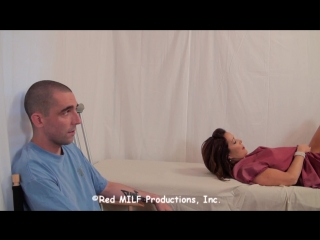 Трахнул грудастую мамку на приеме у врача и кончил ей на живот  ( hd 720 69 home made porn film anal amateur pron blowjob swallo