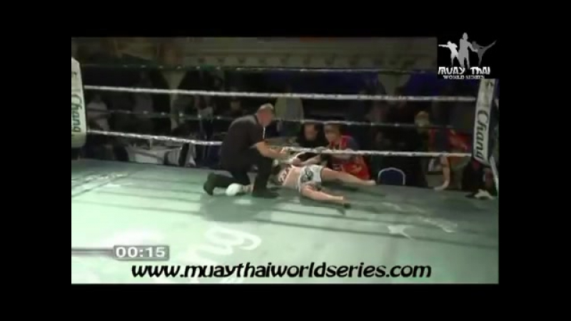Brutal Female Muaythai Knockout
