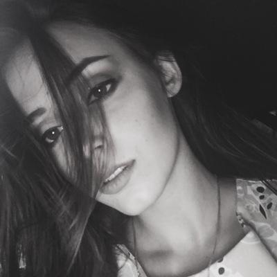 Алина Азарьева