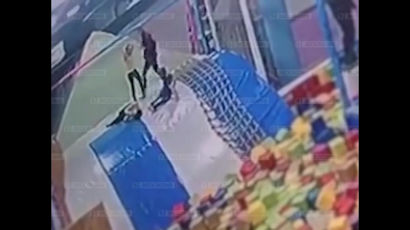 Падение девочки с батута в Петербурге