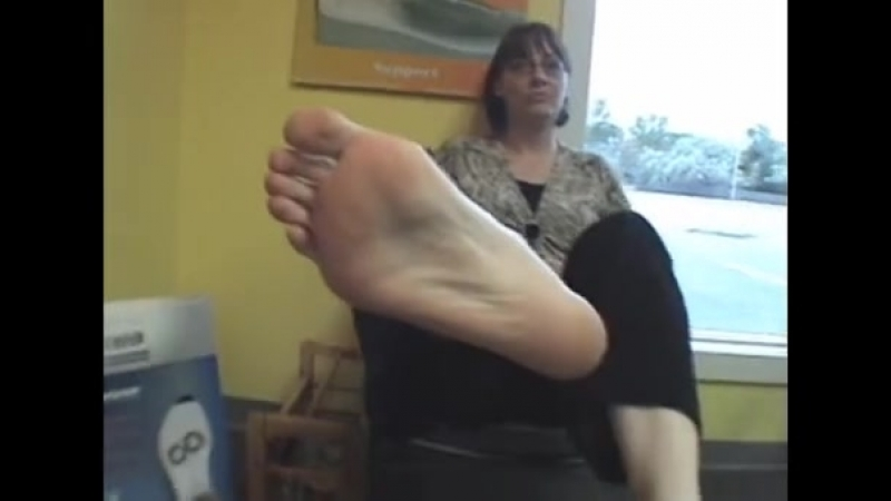 42 year old mature woman candid sexy big feet size 10 US