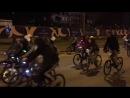ночной велопробег мимо квартала Литератор под музыку саксофона