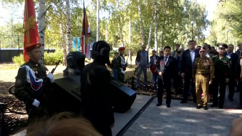 Церемония открытия монумента танкистам