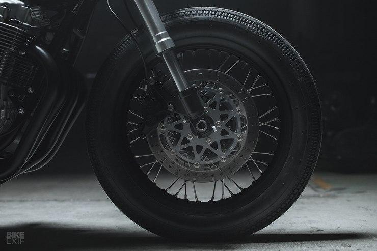 Hookie Co.: кафе рейсер Honda CB750 Wolf