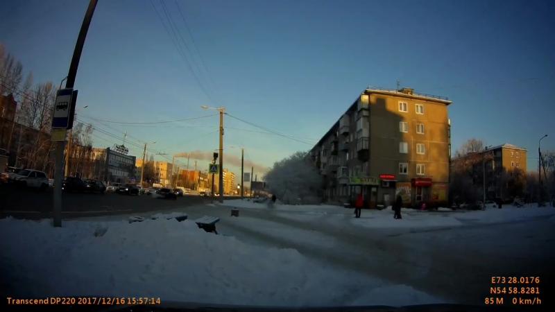В Чкаловске Жигули сбила девушку на пешеходном переходе Омск