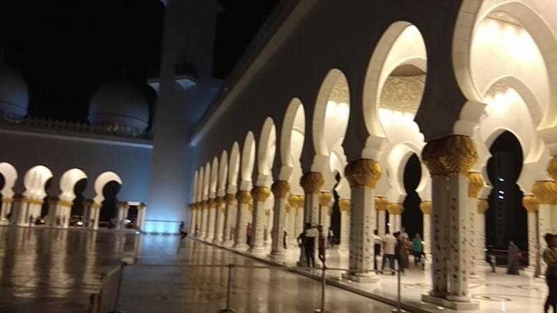 ОАЭ Абу-Даби Мечеть Шейха Зайеда