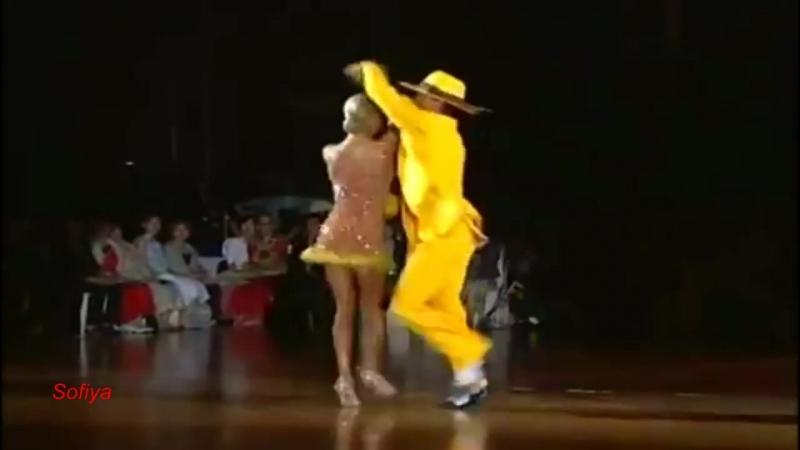 Band ODESSA- КУКОЛКА КОНФЕТКА Танцуют Максим Кожевников и Юлия Загоруйченко.mp4