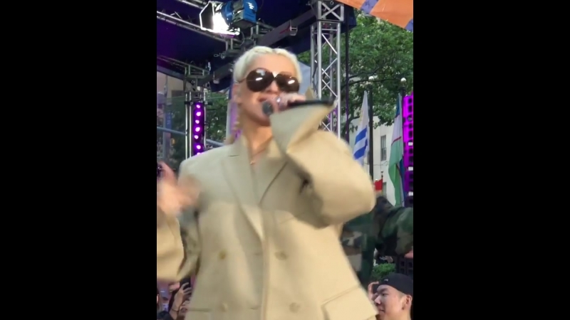 Christina Aguilera - Can't Hold Us Down (Rehearsal Today Show 15.06.2018)