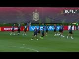 Сборная Испании по футболу проводит первую тренировку после отставки Лопетеги