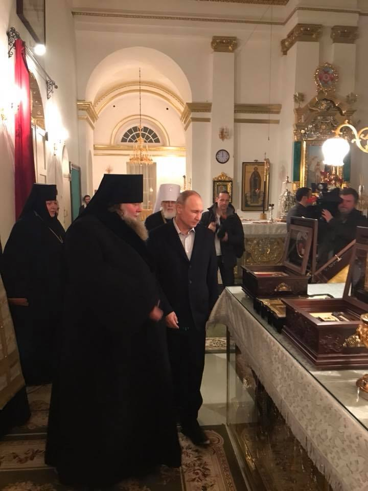 Президент Путин ночью прибыл в Нилову Пустынь