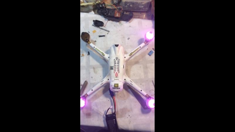 Поворотная камера , авто тест при включении Hubsan h501ss pro