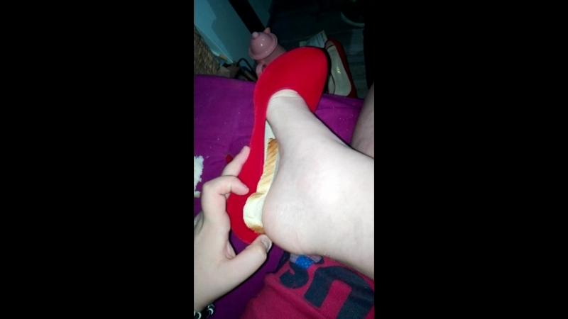 Girlfriend inshoe crush Bread