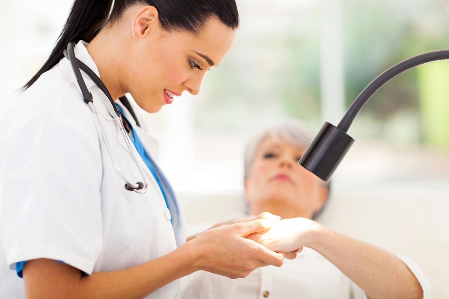 Как стать помощником дерматолога?