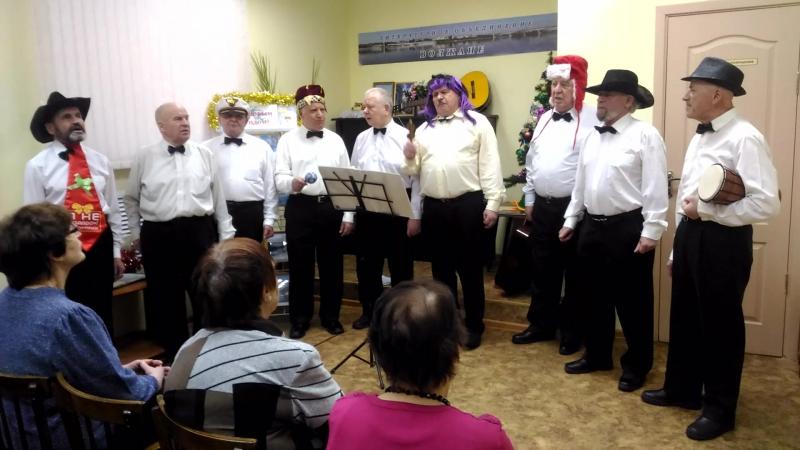 Мужской хор Волгари , исполняют песню Город Ярославль. (собственного сочинения)