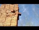 Соседка друга строит дом из кирпича