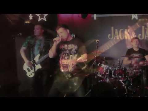 Caver Metallica.Enter sandman.Рок Джем.Bs-Р.Коротков,drum -А.Худяков,Voc-З.Клеймёнов,Guit-С.Лисенков