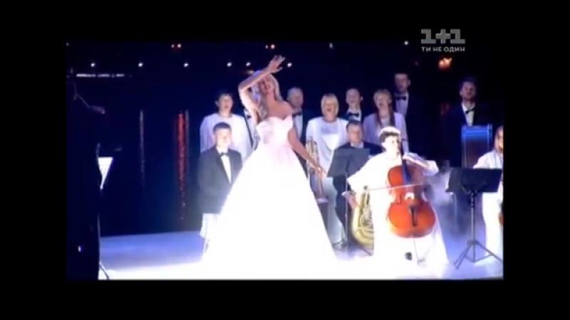 Оля Полякова вразила академічним виконанням свого хіту 'Шльопки' на ювілеї 'Світського життя'.mp4