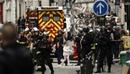 Вести.Ru: Один из парижских заложников ранен в голову. Преступник требует встречи с послом Ирана