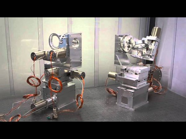 Vacuum Positioning Stages (5-axis system)