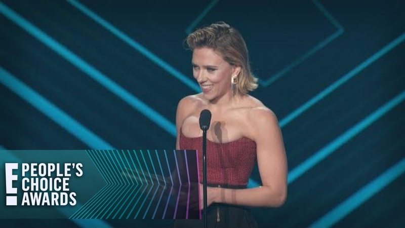 Scarlett Johansson Never Won Anything Like Her New PCA | E! People's Choice Awards