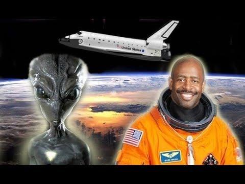 ASTRONAUTA DE LA NASA AFIRMA QUE VIO UNA CRIATURA ORGANICA ALIENIGENA EN EL ESPACIO!!