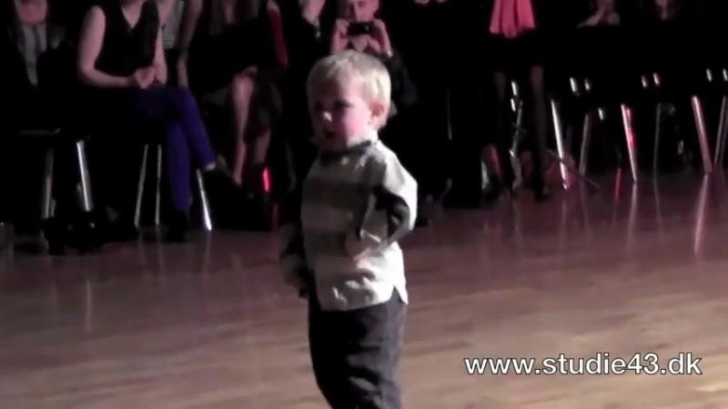 William Stokkebroe! Сын чемпионов мира и европы по латиноамериканским танцам, танцует джайв!