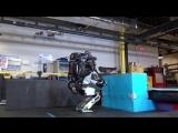 Робот который умеет делать сальто