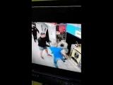 Это Украина: Парня жестоко избили на глазах охраны в киевском супермаркете