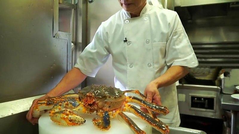 Япония Морепродукты - Приготовления Блюда Из Огромного Краба и Рыбы Японским Шеф-Поваром