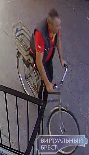 В Бресте ищут мужчину, который велосипедом повредил автомобиль