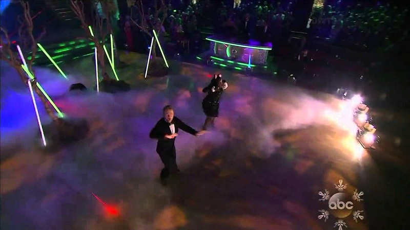 The Finale Ylvis- What Does The Fox Say Group Dance!