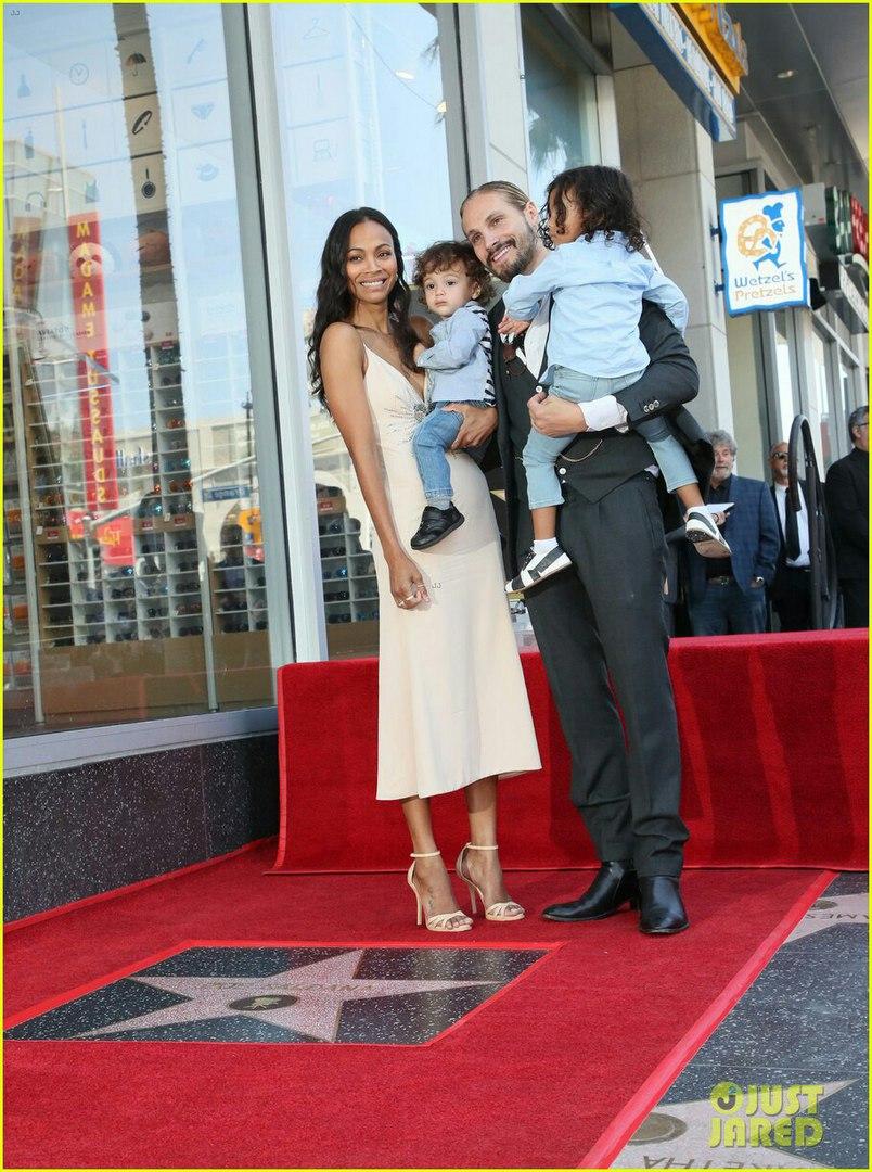 Зои Салдана получила именную звезду на голливудской Аллее славы рекомендации