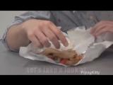 FlithyFrank tries a Clucking Bell sandwich