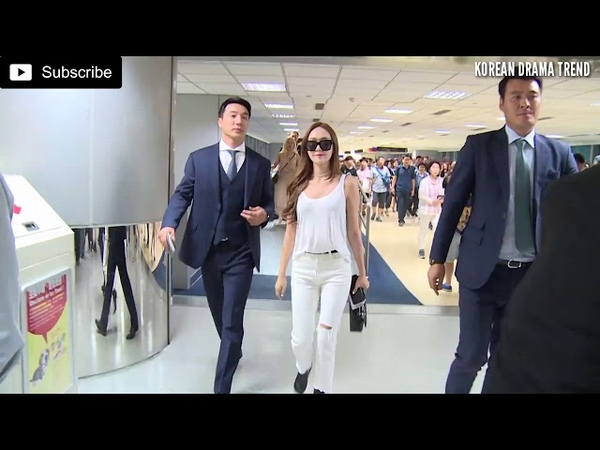 Kpop star Jessica with her sweet bodyguard in airport.