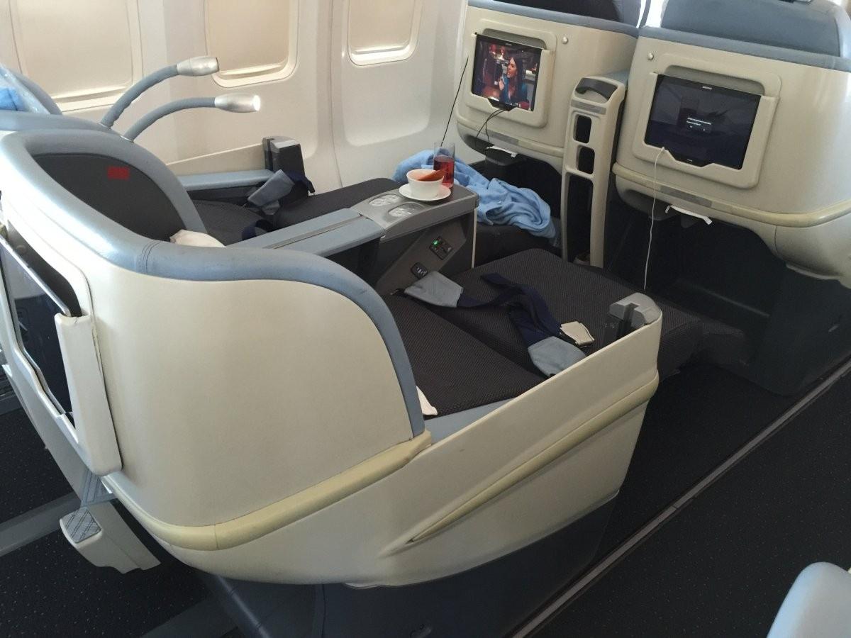 Пассажирский салон Boeing 757-200 авиакомпании La Compagnie