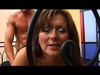 Сын трахает мачеху на каблуках, mature fuck milf mom girl woman female old sex son young pussy (Инцест со зрелыми мамочками 18+)