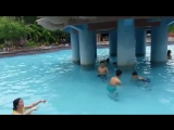 Wetlook in pool