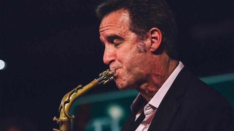 Amazing Saxophone Solo – Eric Marienthal