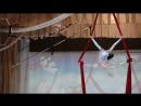 Воздушная гимнастка на полотнах